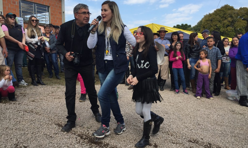 AGRICULTORES COMEMORAM EM FESTA NA INVERNADA DOS BORGES – 5º DISTRITO DE VACARIA