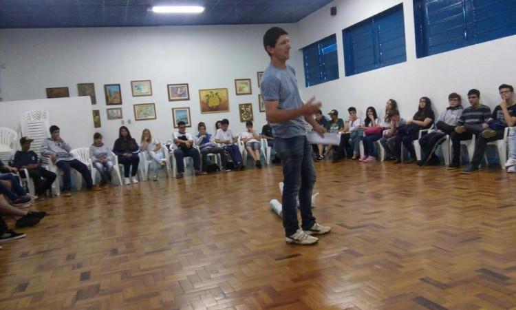 Comissão de Jovens do STR realiza atividades na Escola Zezinho