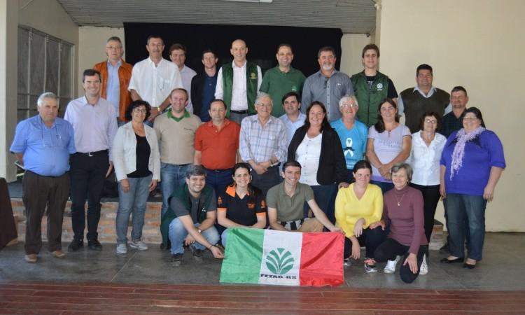 STR de Vacaria e Muitos Capões participa de reunião promovida pela Fetag-RS em Taquara