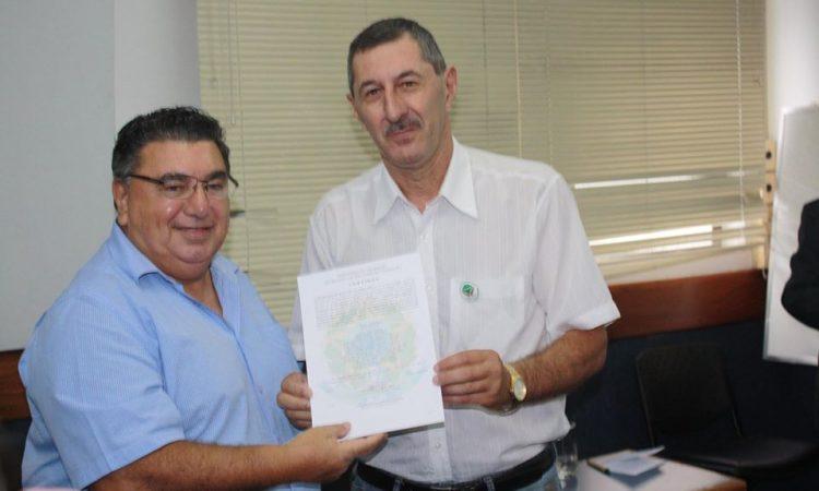 Ministério do Trabalho entrega registro sindical à Fetar RS