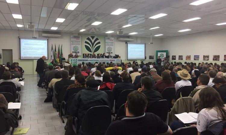 Cartilha sobre o Riscos e Cuidados na utilização de Agrotóxicos é lançada em Porto Alegre