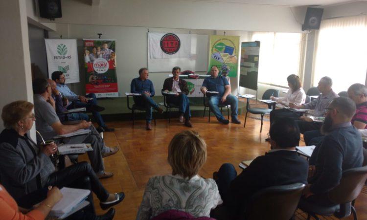 Relações de Trabalho na América Latina são discutidas na Fetar-RS