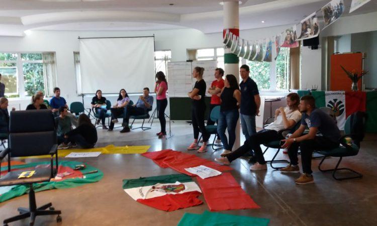 Presidente da Comissão da Juventude participa de formação em Santo Antônio da Patrulha