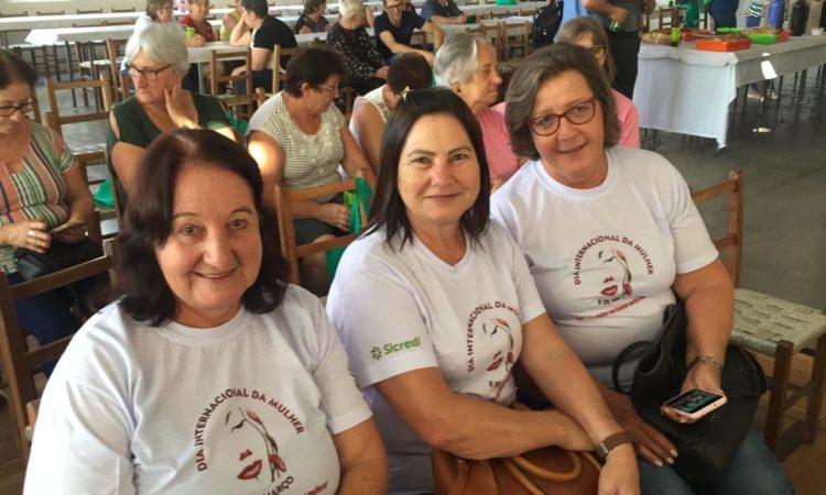 Comissão das Mulheres do STR participam de festividade do Dia da Mulher em Novo Hamburgo
