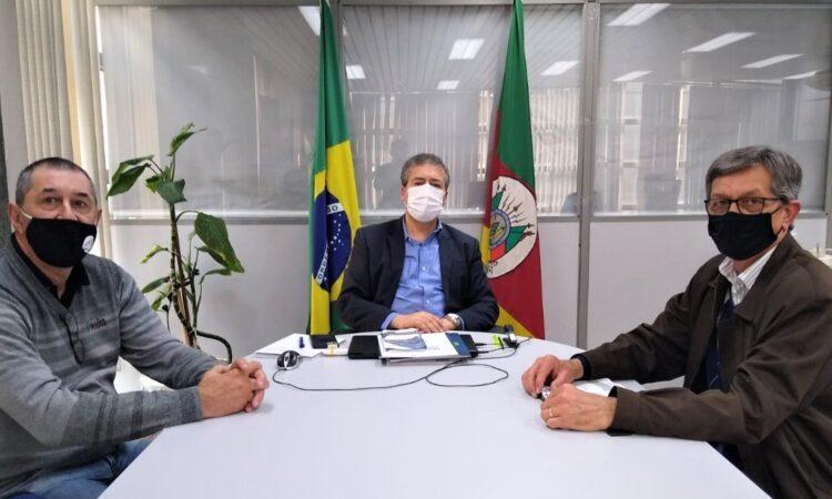 FETAR ENTREGA REIVIDIAÇÕES AO SECRETÁRIO ESTADUAL DO TRABALHO